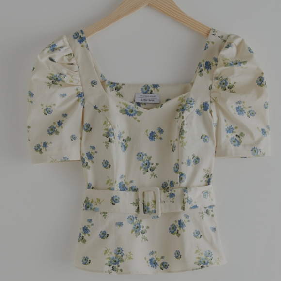 NWT & other stories belted top sweetheart neck